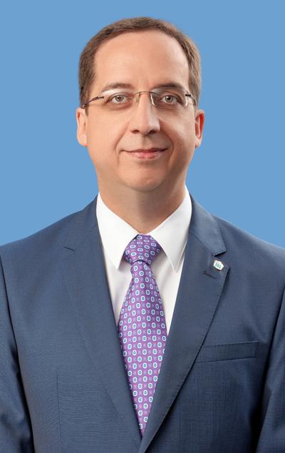 Dr.-Novoa-400x635
