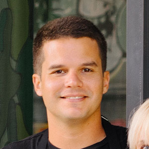 Francis Guzmán